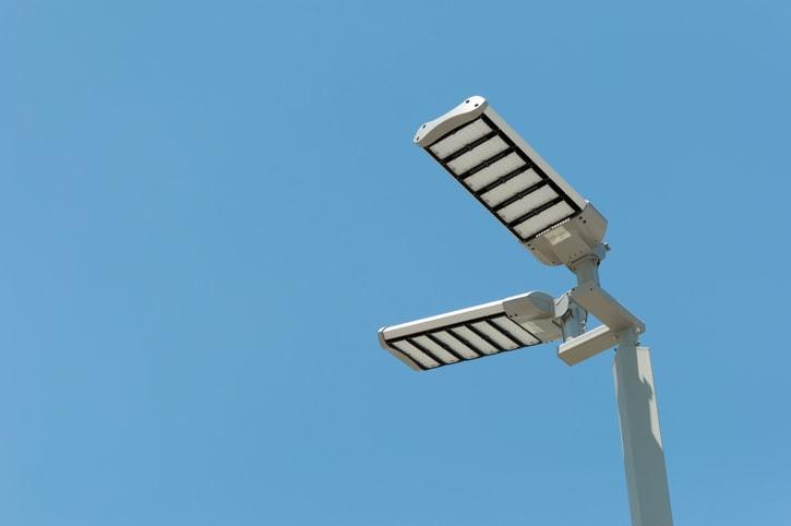 Farola con iluminación LED